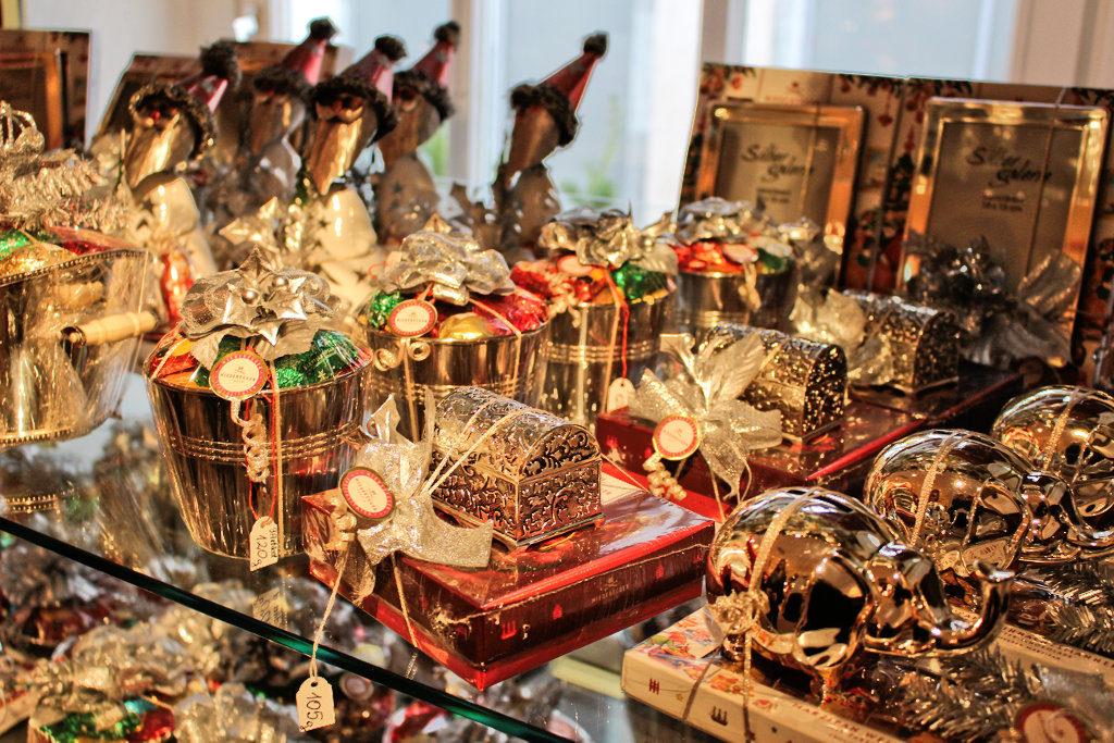 luebeck-weihnachtsmarkt-ausstellung-marzipan-niederegger-geschaeft-altstadt-1