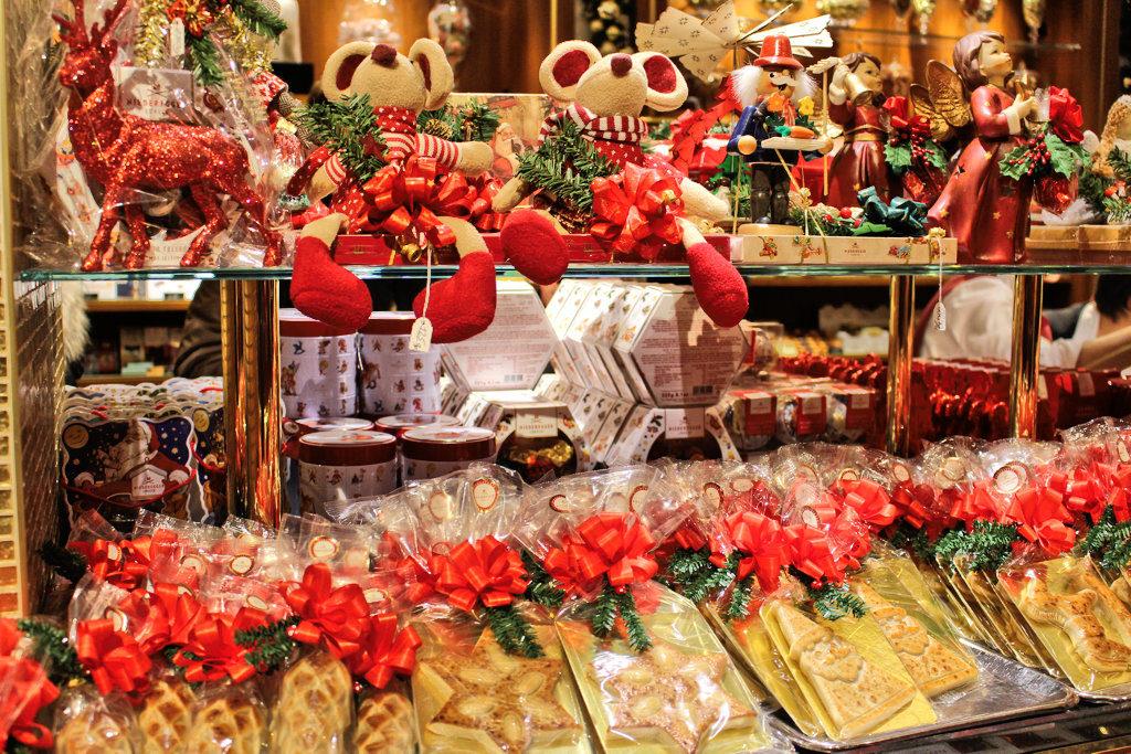 luebeck-weihnachtsmarkt-ausstellung-marzipan-niederegger-geschaeft-altstadt-2