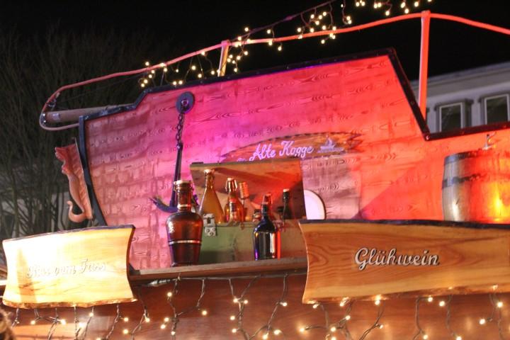 maritimer-weihnachtsmarkt-luebeck-kirche-3