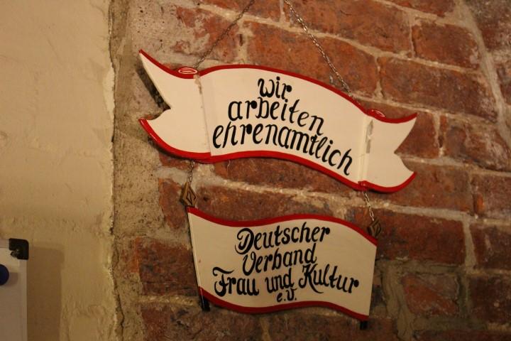 weihnachtsmarkt-luebeck-innenstadt-kunst-kaufen-aussteller-2
