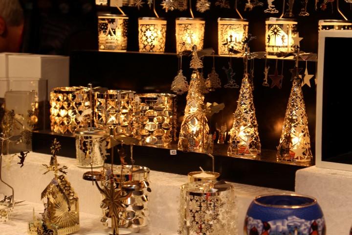 weihnachtsmarkt-luebeck-innenstadt-kunst-kaufen-aussteller-3