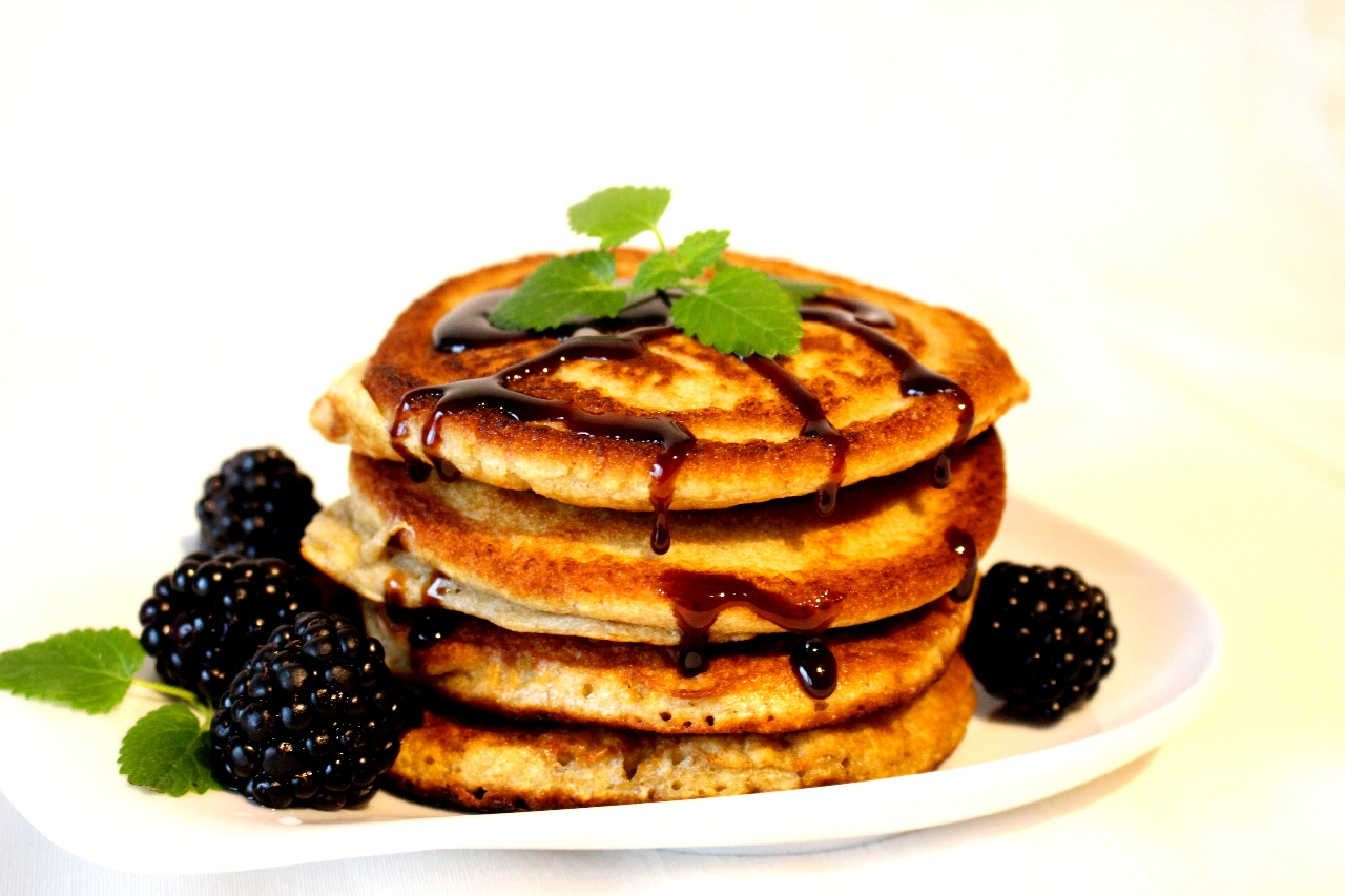 gesunde instant oats bananen pancakes rezept. Black Bedroom Furniture Sets. Home Design Ideas