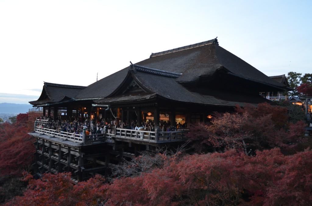 Kyoto-Kiyomizu-dera-Tempel-herbst-koyo-autumn_3