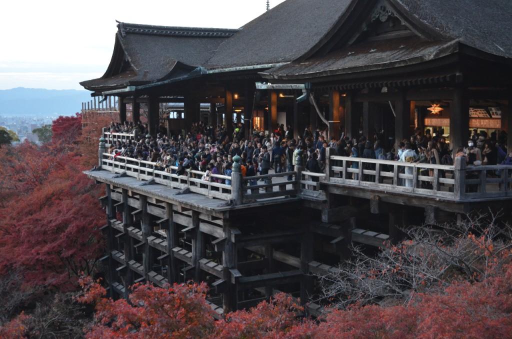 Kyoto-Kiyomizu-dera-Tempel-herbst-koyo-autumn_4