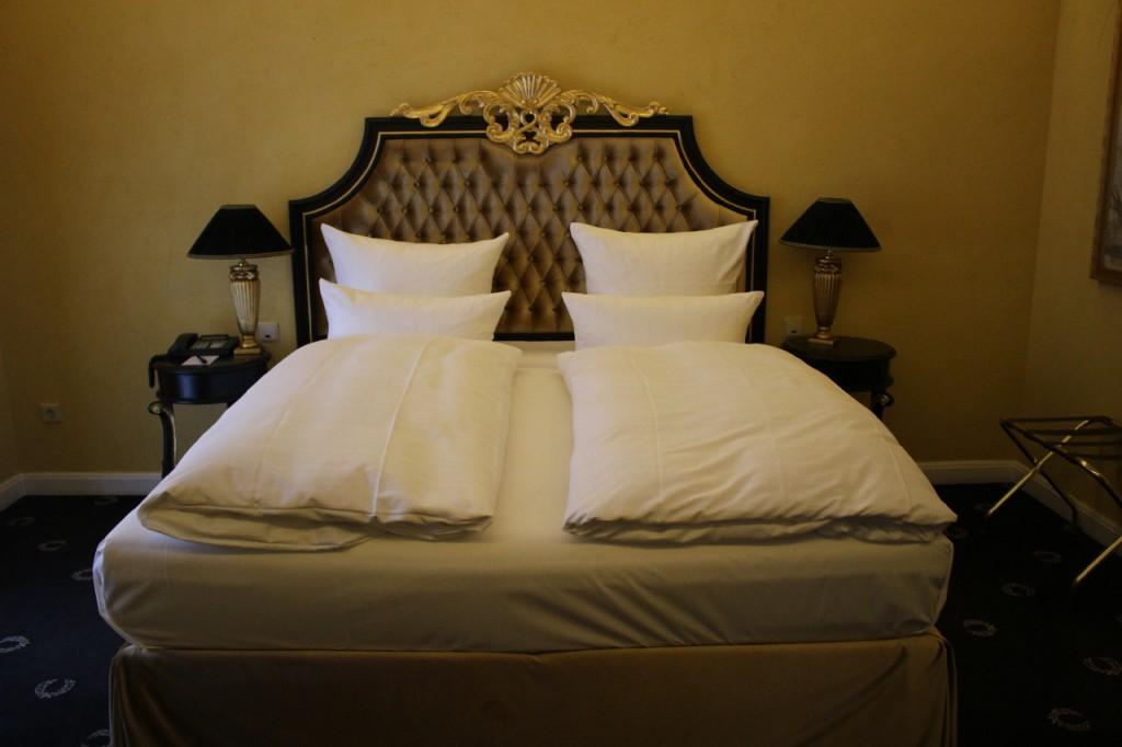 Neptun_Suite_Victors_Schlosshotel_Berg