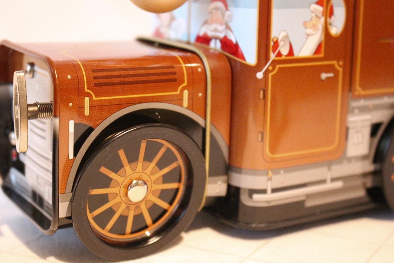 lokomotive f hrt ein geschenke service vom spezialit ten haus. Black Bedroom Furniture Sets. Home Design Ideas