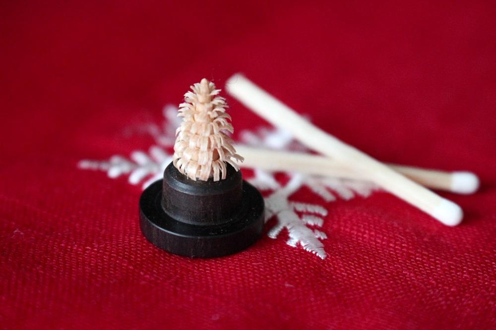 keinster-kunsthandwerk-markt-weihnachtsbaum-welt-luebeck