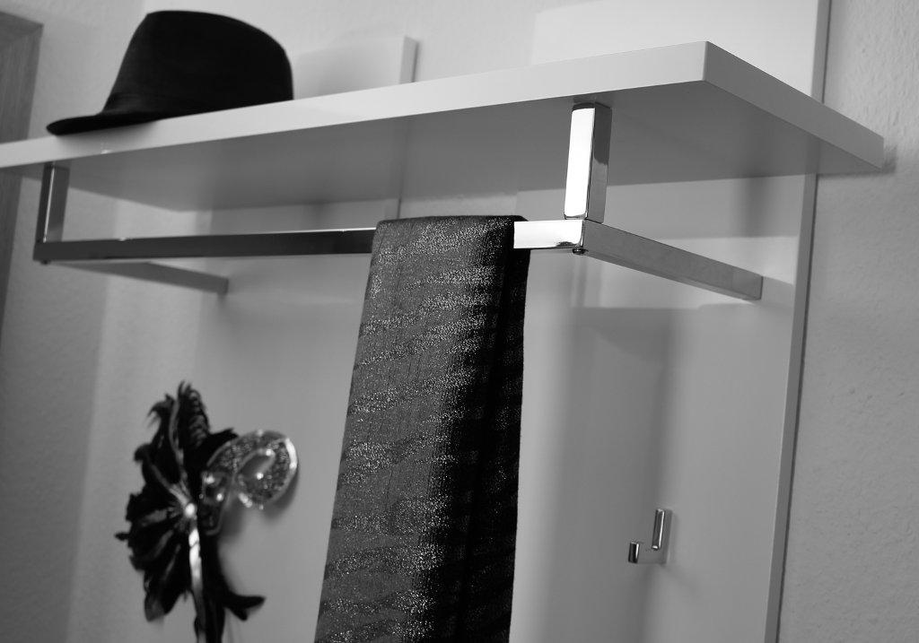 delife-design-moebel-shop-erfahrung-wandgarderobe-weiss (1)