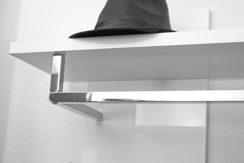 delife-design-moebel-shop-erfahrung-wandgarderobe-weiss (3)
