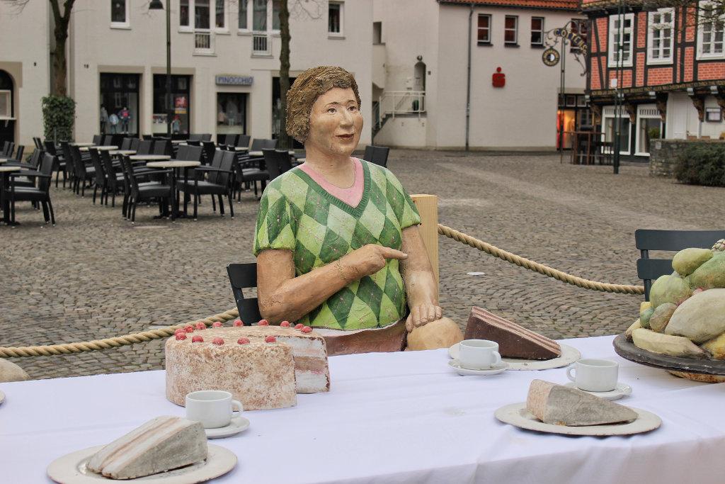 figuren-wiedenbrück-menschen-bilder-innenstadt-ausstellung