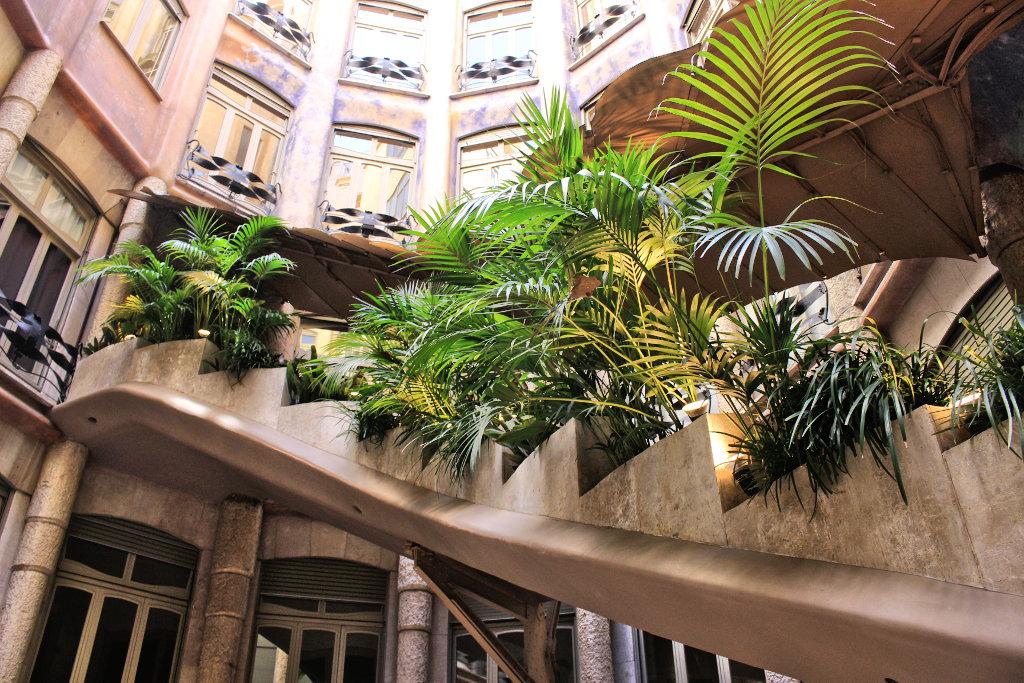 la-padrera-barcelona-sightseeing-casa-mila-run (4)