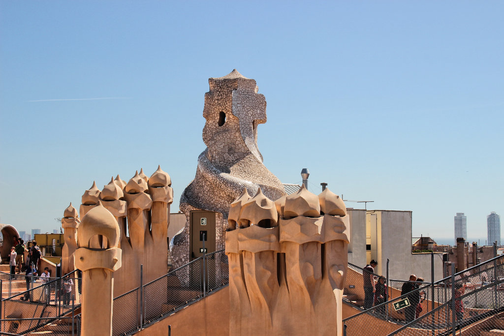 la-padrera-barcelona-sightseeing-casa-mila-run (8)