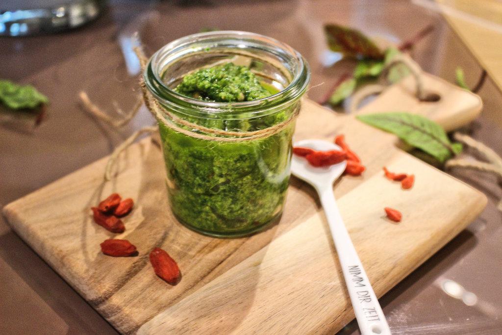 fooblog-day-kapuiner-kresse-mango-rezept-superfood-pesto-vegan (6)