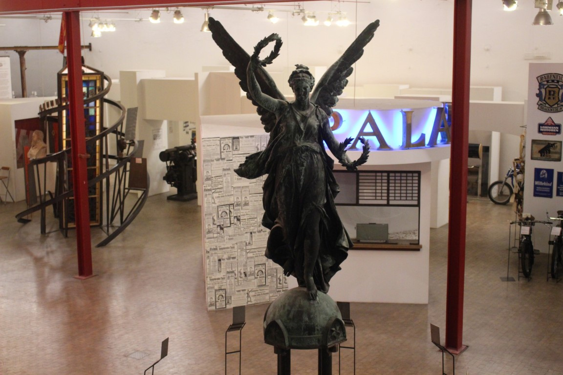 historisches-museum-bielefeld-nachtansichten (2)