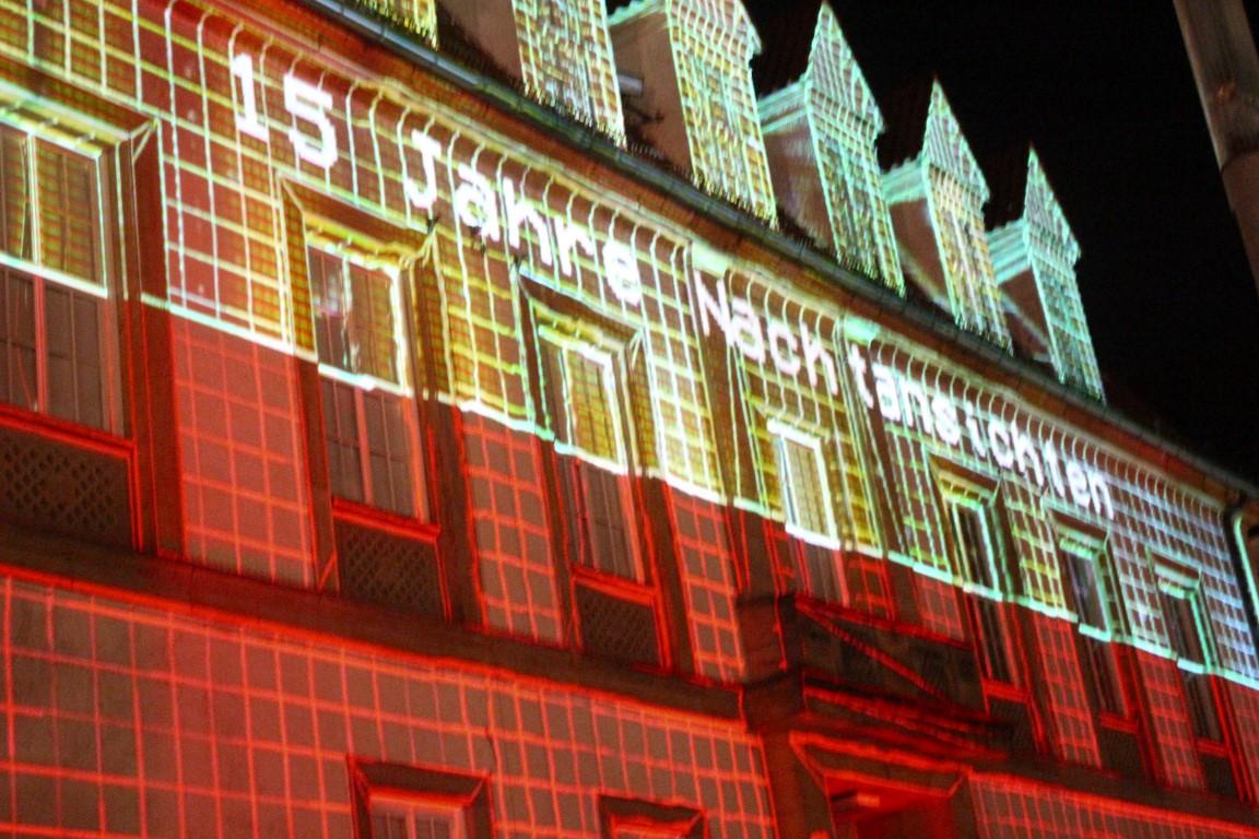 nachtansichten-bielefeld-3d-projektion-alter-marikt-rathaus (3)