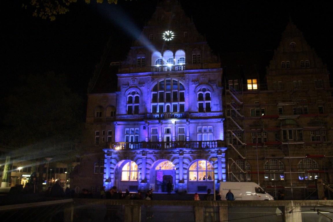 nachtansichten-bielefeld-3d-projektion-alter-marikt-rathaus (4)
