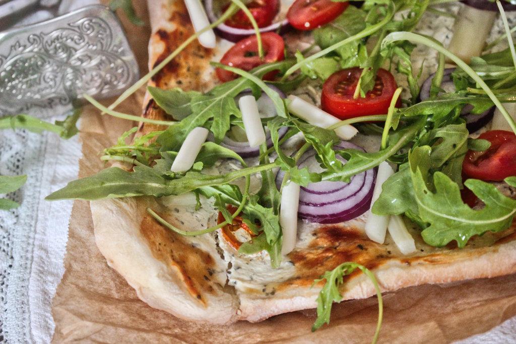 vegan-roher-spargel-pizza-rezept-einfach