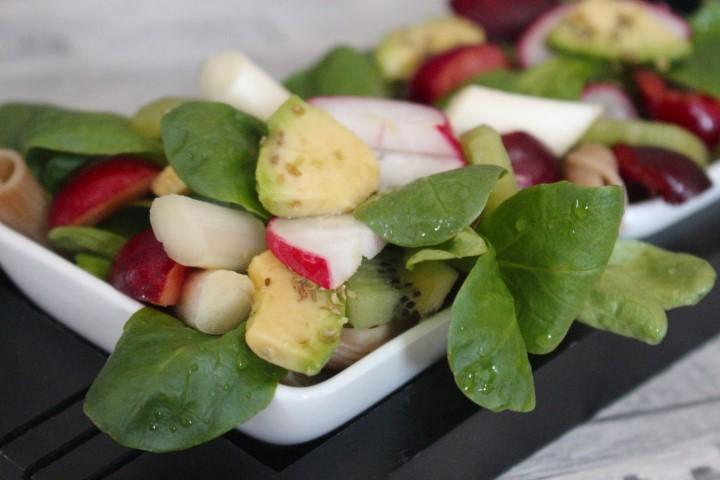 roher-spargelsalat-kiwi-vegan-rezept-fitness-kirschen (2) (Small)