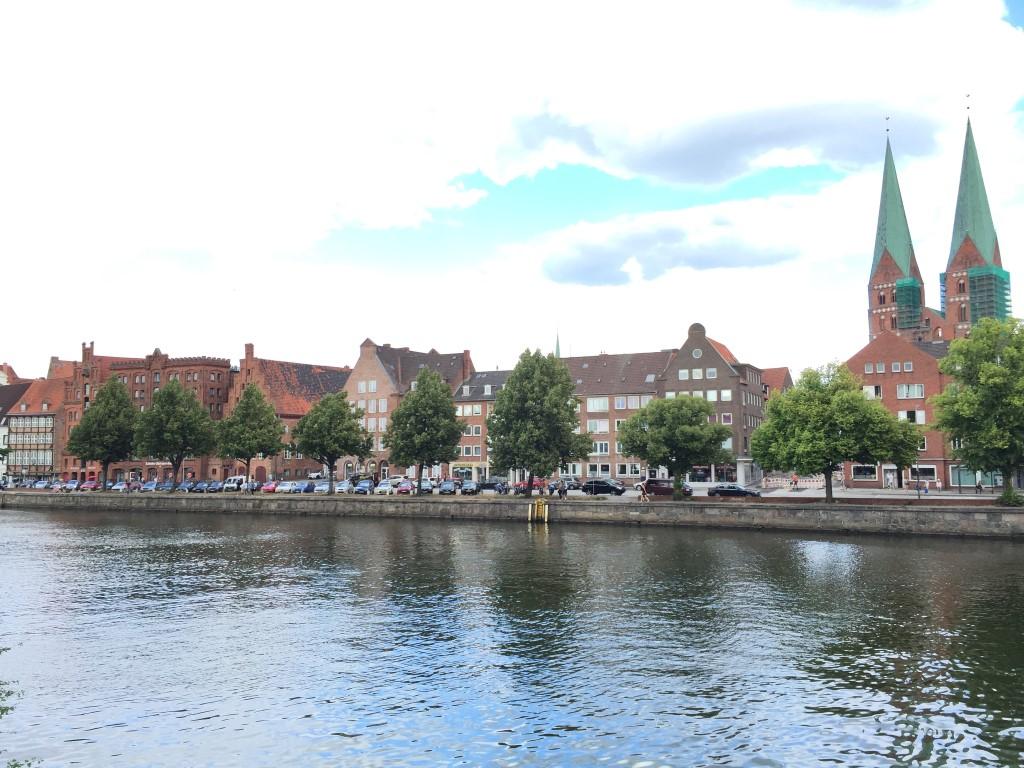 luebeck-schleswig-holstein-trave-kanal-german-city (8)