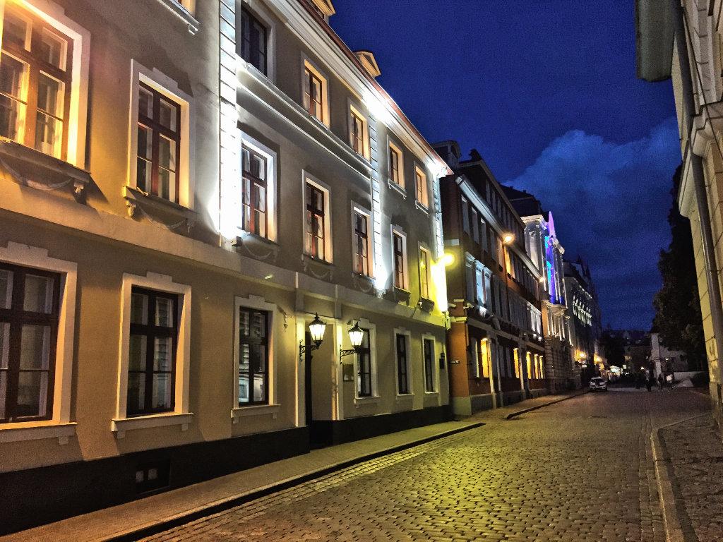 riga-altstadt-bei-nacht (1)