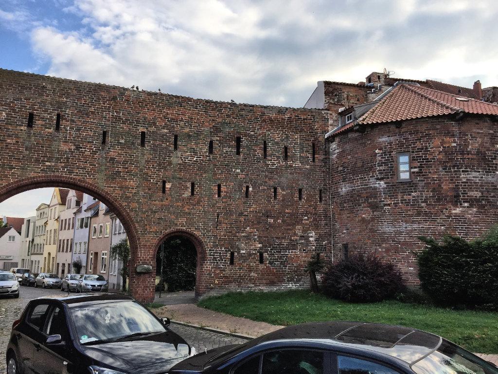 stadtbefestigung-luebeck-altstadt-burgtor-burgstrasse-schleswig-holstein (2)