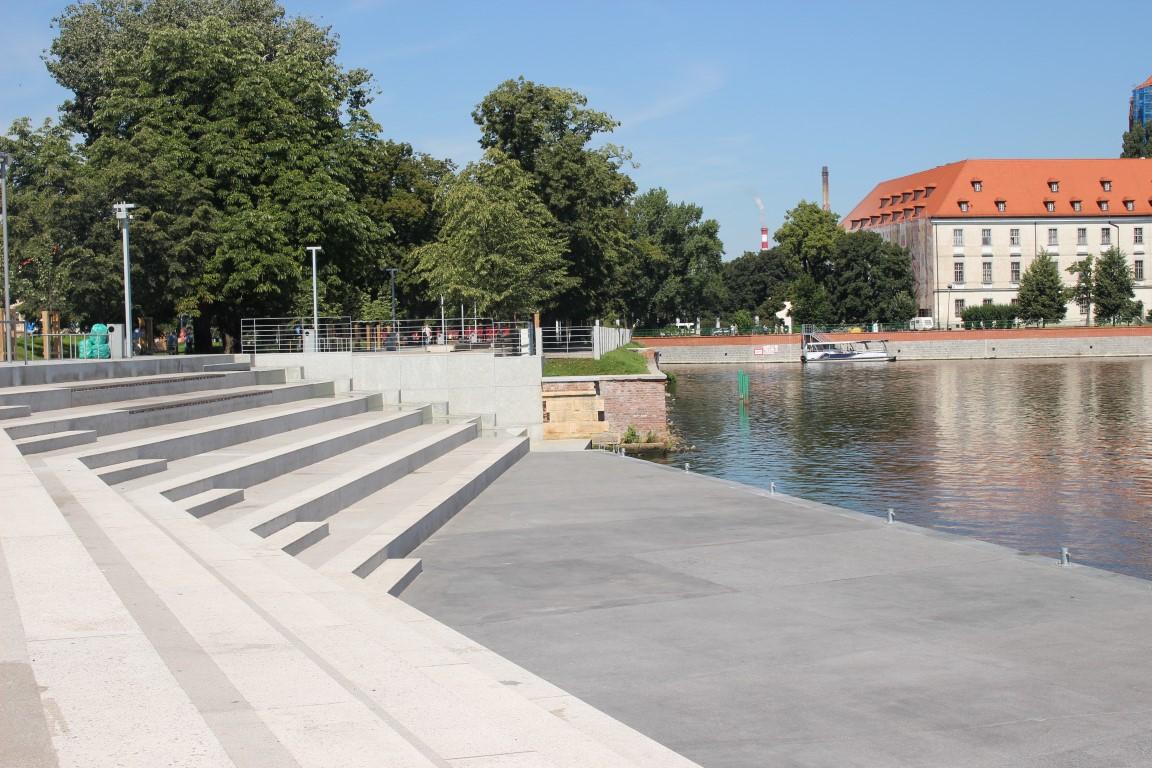 Breslauer-Boulevard-Xawerego-Dunikowskiego-schody-nad-odra (17)