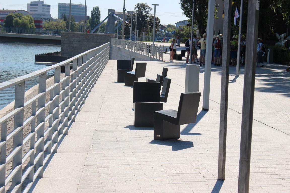 Breslauer-Boulevard-Xawerego-Dunikowskiego-schody-nad-odra (5)