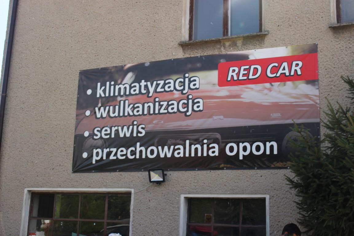 gute-werkstatt-in-wroclaw-breslau-red-car (2)