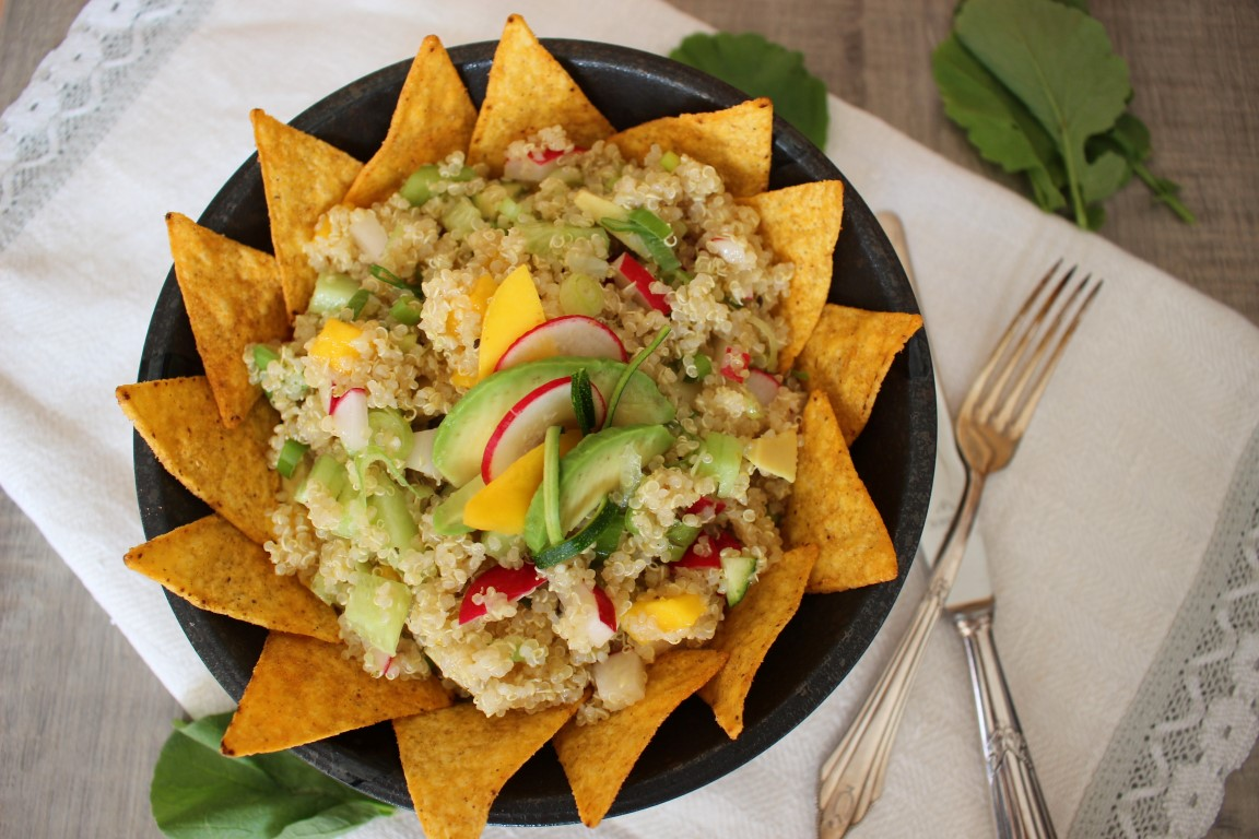 veganer quinoa tacco salat mit avocado und mango orange diamond. Black Bedroom Furniture Sets. Home Design Ideas