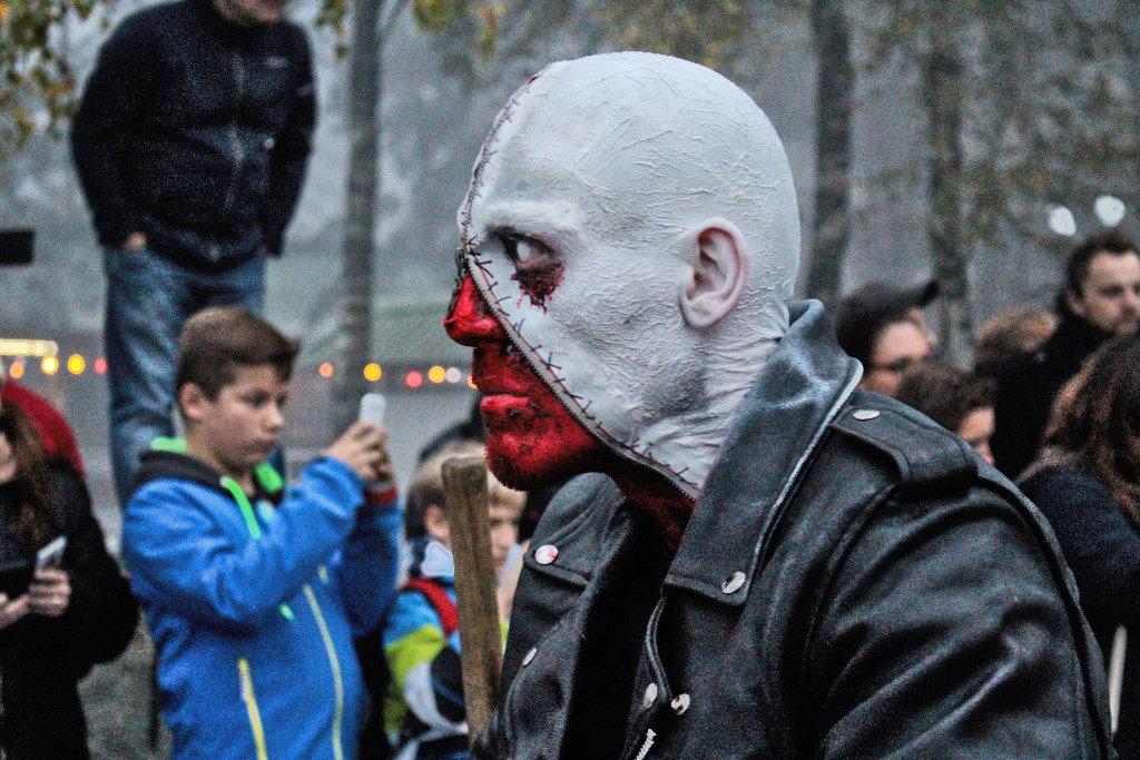 Die Gruseligsten Halloween Kostume Der Freakshow Und Parade Im