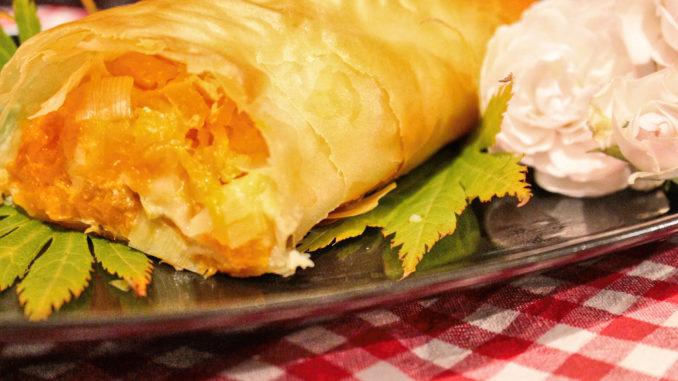koestlicher-veganer-kuerbis-strudel-mit-aepfeln-schnell-und-einfach-3