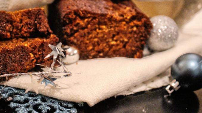 gesundes-weihnachtsbrot-mit-kuerbis-und-nuessen-5