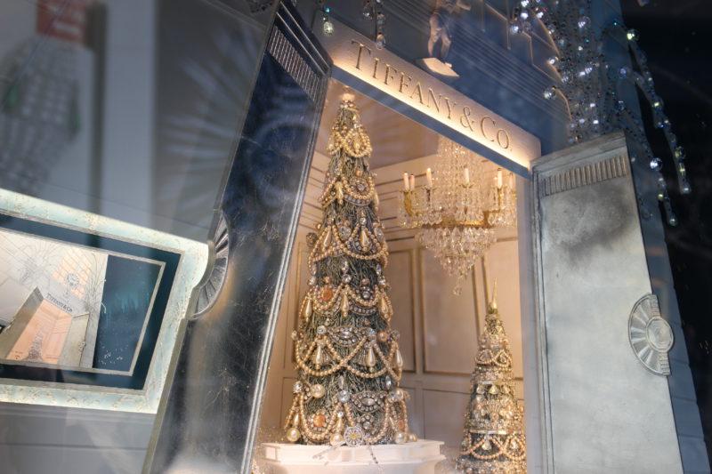 Weihnachtsbaum in New York bei Tiffany & Co.