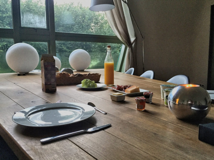 Frühstück im Atelier Roland Holst