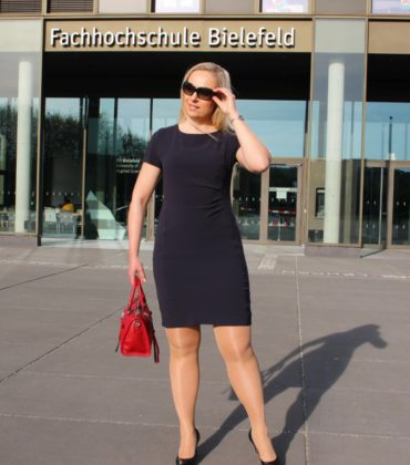 Semi Formal Dresscode im Sommer – Business-Kleid von MARC CAIN