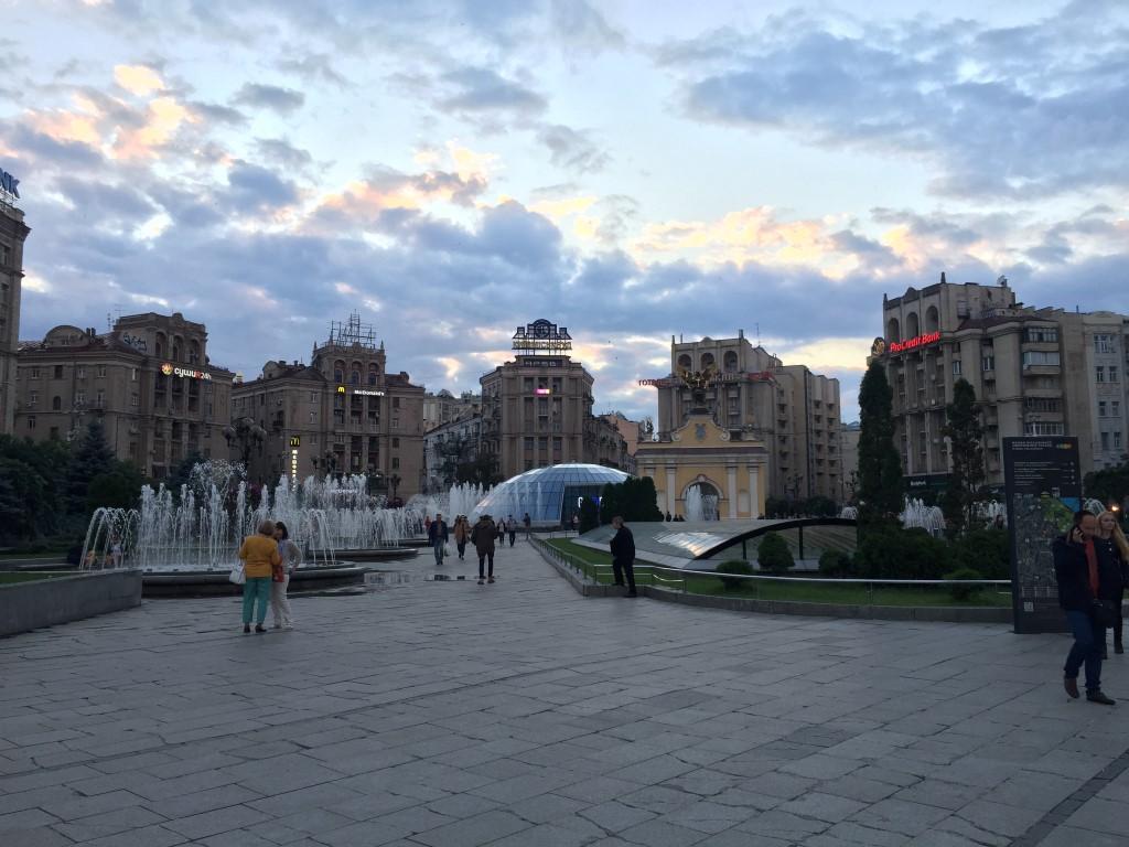 Sowjet-Klassizismus am Majdan-Platz in Kiew