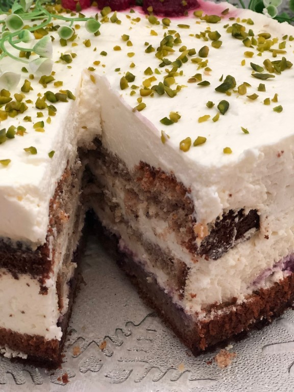 Winter Käse-Sahne Torte mit Walnüssen und Spekulatius [Rezept]