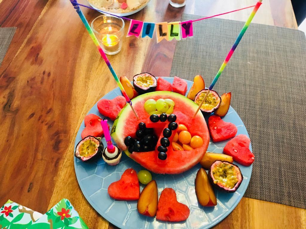 Wassermelonen Obst-Torte zum Kindergeburtstag Buffet: Gesund und Lecker