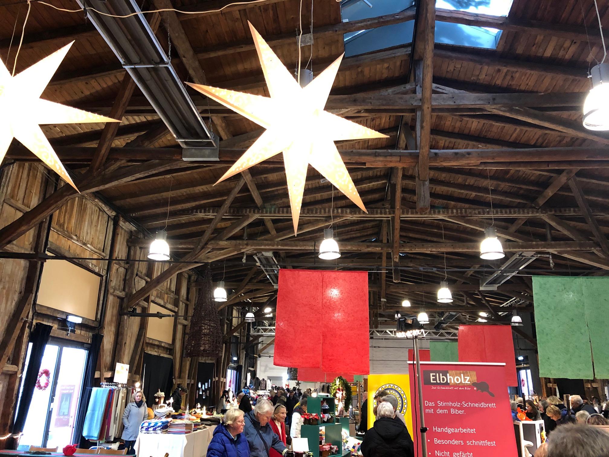 Kunsthandwerkermarkt Lübsche Wiehnacht im Schuppen 6 in Lübeck