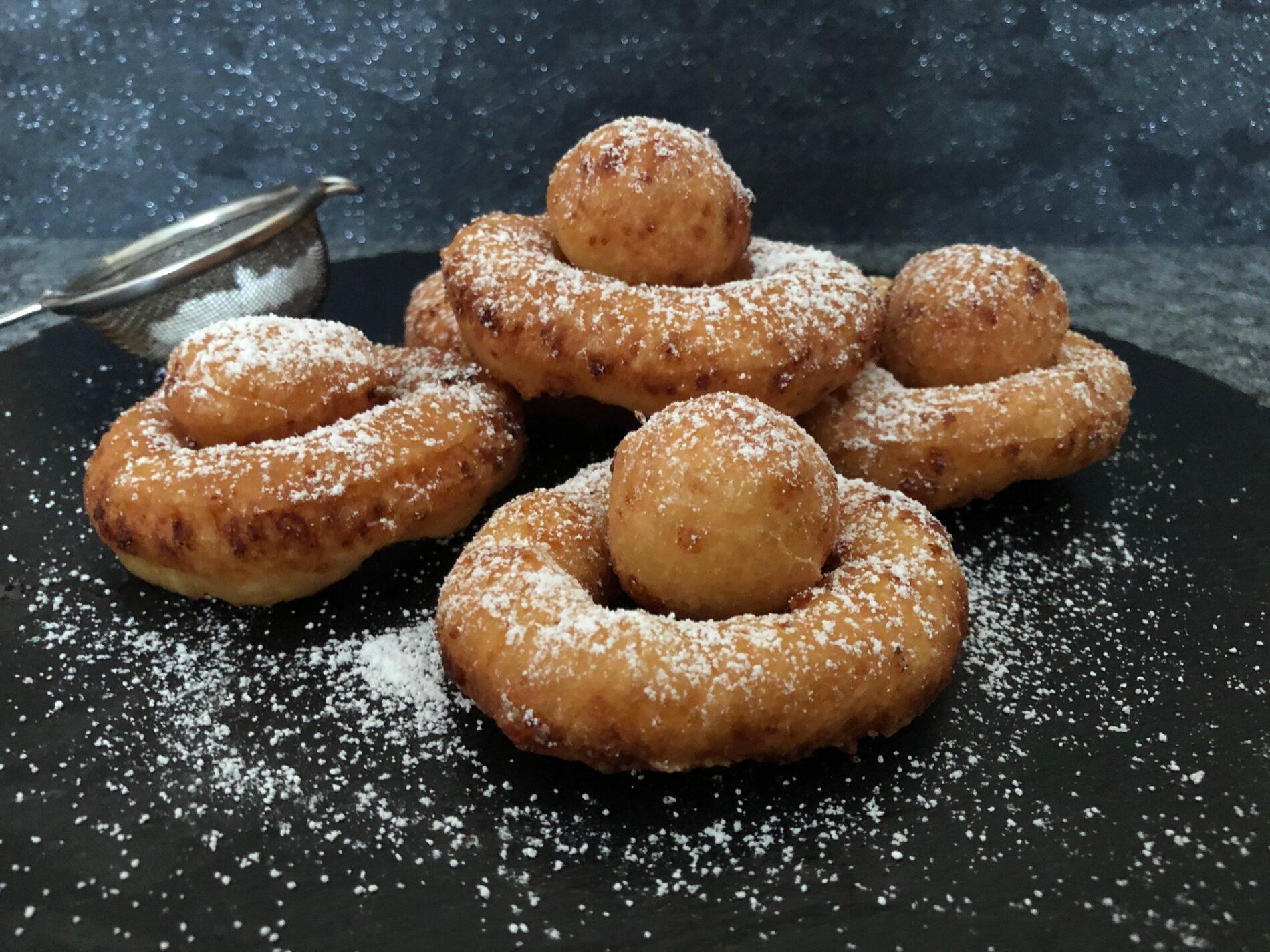 Polnische Donuts mit Twarog Rezept - Oponki Serowe